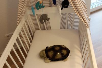 Eine Babymatratze